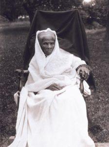 harriet-tubman-white-shawl